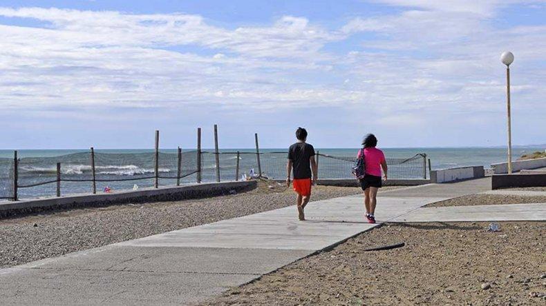 Prades recorrió la obra de recuperación de la costanera