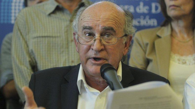Parrilli brindó una conferencia de prensa en la que respondió al pedido de detención.