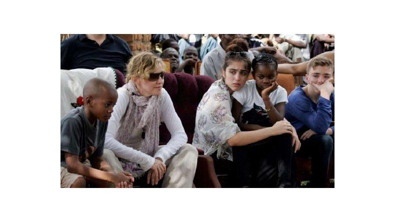 Madonna recibió el permiso para adoptar a dos gemelas de Malaui