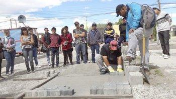 cincuenta jovenes comenzaron las  pasantias municipales en las heras