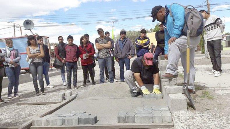 Cincuenta jóvenes comenzaron las  pasantías municipales en Las Heras