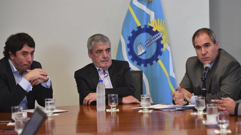 El gobernador Mario Das Neves dio a conocer la base del reclamo de Chubut a Nación respecto de la coparticipación federal.