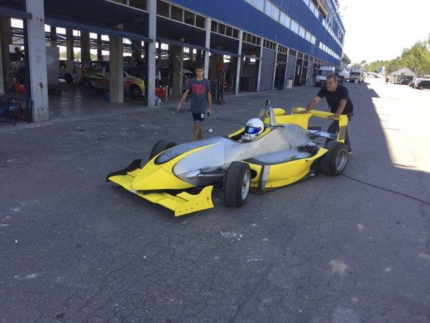 El monoposto que probó el piloto comodorense en el autódromo de La Plata.