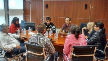 Diputados del FpV recibieron ayer a gremialistas de cerámicos, que buscan revertir el cierre de cerámica San Lorenzo