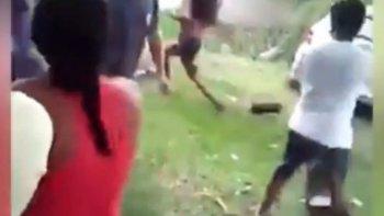 quemaron viva a embarazada acusada de matar a un nino