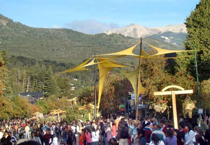 La Fiesta de los Jardines es una excelente oportunidad de recorrer la hermosa localidad neuquina en su mejor momento.