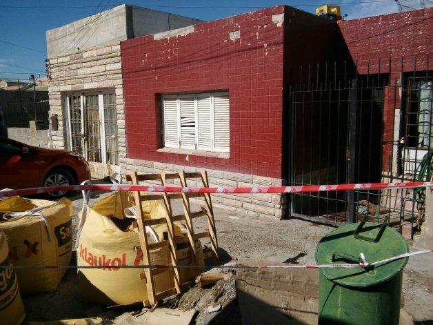 Octavo homicidio en Comodoro. Mataron a un hombre de 76 años en el hall de entrada de una casa del barrio Pueyrredón.