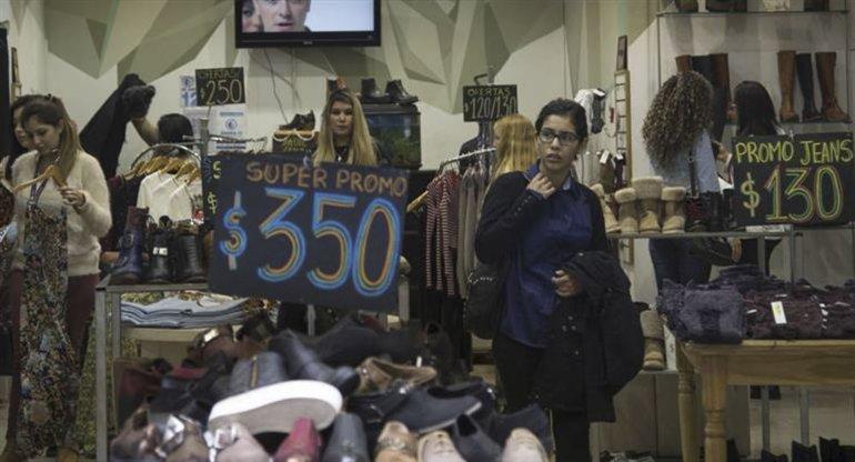 Los sweaters lideran la importación de indumentaria.
