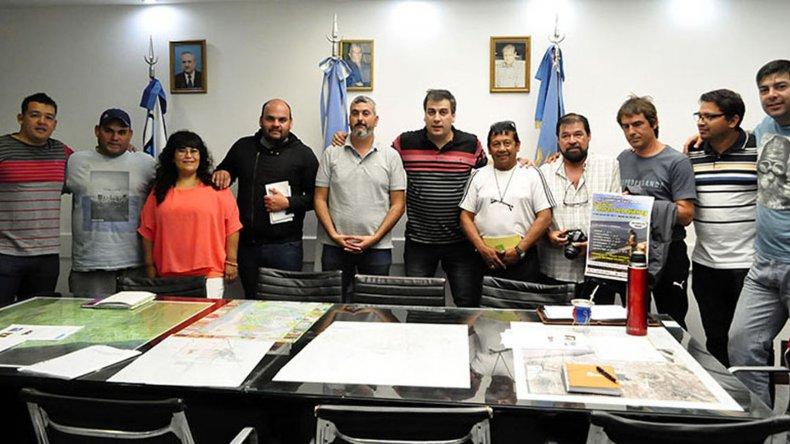 En el despacho municipal el intendente Facundo Prades trazó líneas de trabajo junto a la Asociación Deportiva Pescadores de Caleta Olivia.