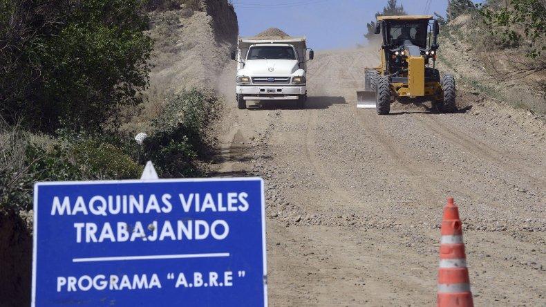 El Programa ABRE realiza intervenciones sobre calles de ripio y ejecuta trabajos de saneamiento en tres zonas de zona sur y una de zona norte
