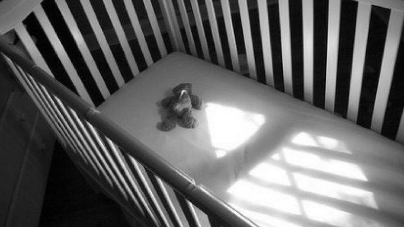 Mató a palazos a la beba de su novia