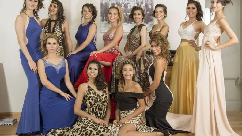 Las 12 candidatas a reina continúan con su capacitación.