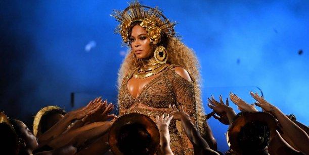 Premios Grammy: Beyoncé deslumbró con un show en el que lució su embarazo