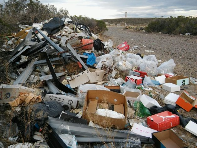 Multas más caras para los que tiren basura en lugares no permitidos