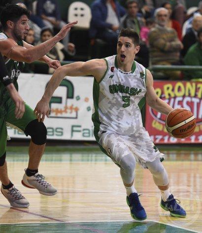 Nicolás De los Santos aportó apenas 7 puntos en la derrota de Gimnasia y Esgrima en Caballito.