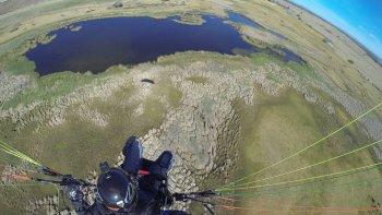 volo en parapente sobre el lago musters: se esta secando y lo estamos viendo