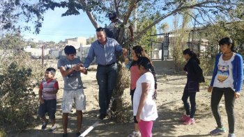 El secretario municipal de Desarrollo Humano, Marcelo Rey, visitó ayer las distintas juegotecas que se realizan en los CPB de todos los barrios.