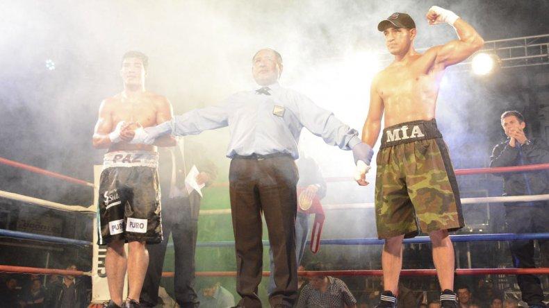 Héctor Saldivia peleó el 18 de marzo frente a José Carlos Paz y se quedó con el título argentino Welter.