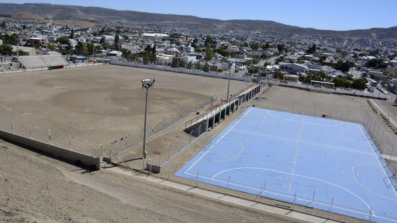 Las dos canchas de fútbol 7 se suman a una lista de obras que proyecta Deportivo Portugués.