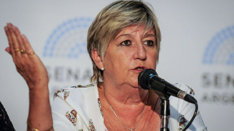 Nancy González.