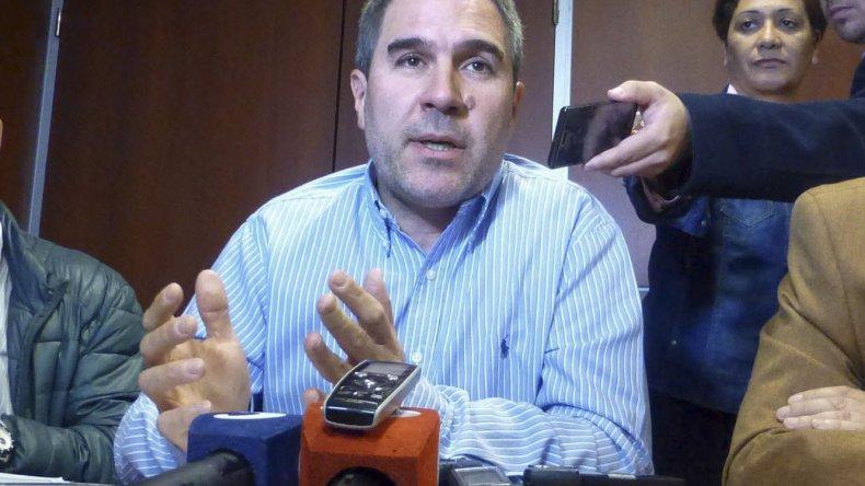El ministro Oca cargó duro contra diputados y gremialistas que no entienden que la política cambió.
