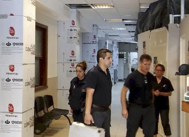 La Policía Científica realizó pericias de las lesiones de la bebé en el Hospital Regional.