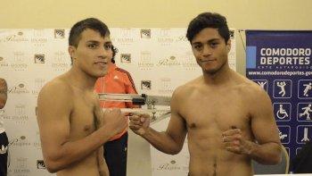 Diego Cabral y Carlos Santana en el pesaje de ayer.