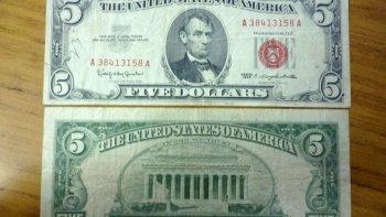 asaltan a una mujer en una casa del centro y le llevan 5 dolares