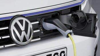 Volkswagen podría avanzar en la fabricación de autos híbridos y eléctricos en el país.