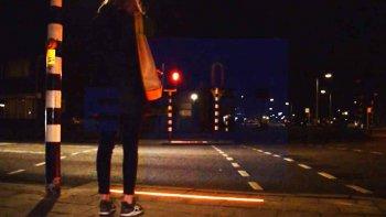 una ciudad que instala semaforos para adictos al celular