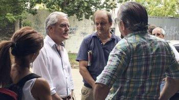 El timbreo de Cambiemos: Volvé Pinedo, con tal que se vaya Macri, vos sos mejor, pidieron los vecinos.