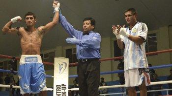 El rionegrino César Antín, radicado en Comodoro Rivadavia, le ganó por puntos al entrerriano Diego Chaves.