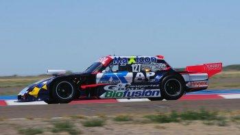 Marcelo Agrelo y el Ford del JPG Racing en el trazado de Viedma, durante la serie de ayer.