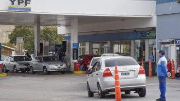 Los conductores volvieron a volcarse a las estaciones de servicio que aún tenían combustibles. El temor es que el conflicto se prolongue.