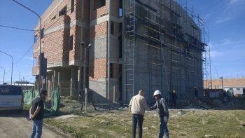 El edificio tendrá una superficie cubierta de construcción de un total de 2.102 metros cuadrados, divididos en tres plantas.