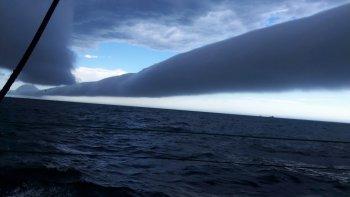 una jornada de tormenta mar adentro