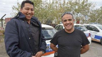 El sargento primero Héctor Mayorga y el cabo primero Javier Pinto de la Comisaría de Kilómetro 8 fueron quienes asistieron a la joven madre que había dado a luz.