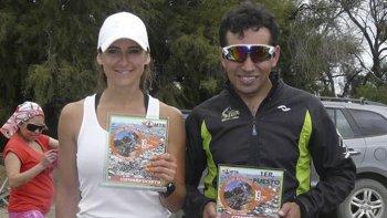 Los ganadores de la prueba de 35 kilómetros, Natalia Faisca y Miguel Vásquez.
