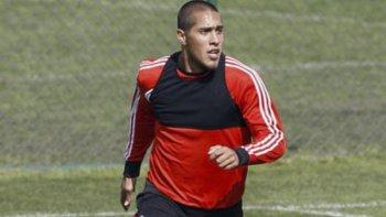 Jonatan Maidana fue incluido entre los titulares de River en la práctica de fútbol y los trabajos tácticos de ayer a la mañana.