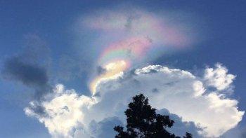 el extrano arcoiris de fuego que ilumino el cielo