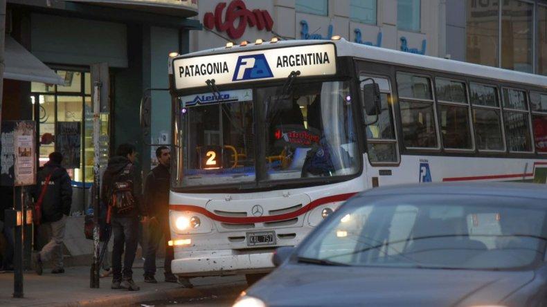 Patagonia amenaza otra vez con suspender los boletos gratuitos