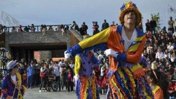 la murga franca lleva la alegria del carnaval el lunes a rada tilly