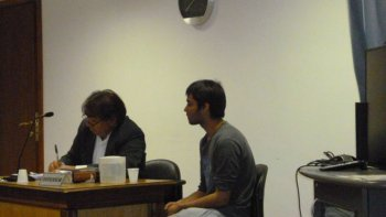 Leandro Bejarano es un joven violento. Está detenido por apuñalar a un hombre en la vía pública, pero tiene otras causas.