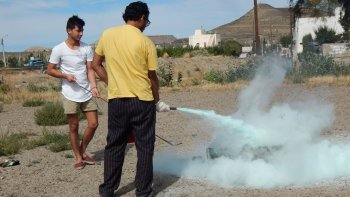Los integrantes del albergue universitario Ruka Peñi recibieron una capacitación sobre cómo actuar y prevenir un incendio.