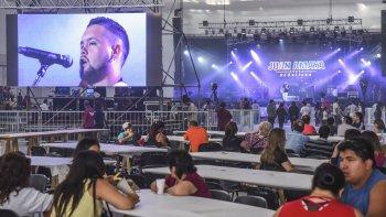 El festival Que no nos quiten la alegría comenzó ayer con la participación de artistas locales y nacionales como Axel y Jorge El Toro Quevedo.