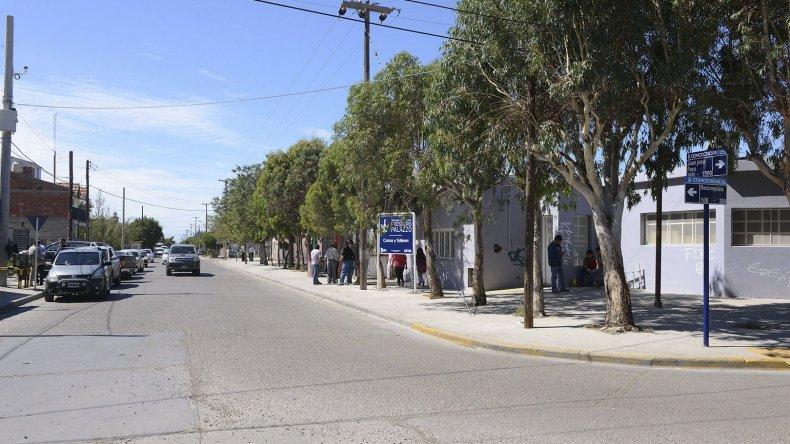 El viceintendente Juan Pablo Luque y concejales estuvieron supervisando los trabajos finales en la avenida Juan José Paso.