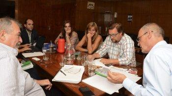 Comenzó ayer, sin resultados positivos, la paritaria docente entre el gobierno y la ATECh