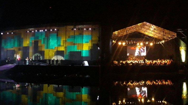 Se voló el techo del escenario en la Fiesta de la Vendimia