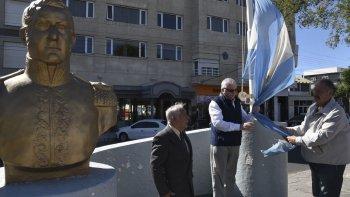 La Asociación Cultural Sanmartiniana de Caleta Olivia evocó ayer el 239° aniversario del nacimiento del Padre de la Patria.