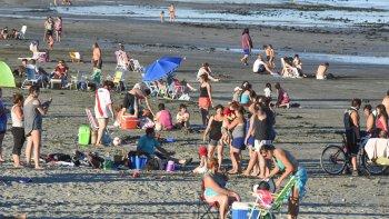 comodoro y rada tilly disfrutaron otra jornada de playa con casi 34°